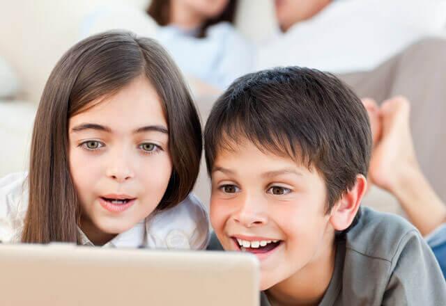 İnternette Çocukları Bekleyen Tehlike Nelerdir